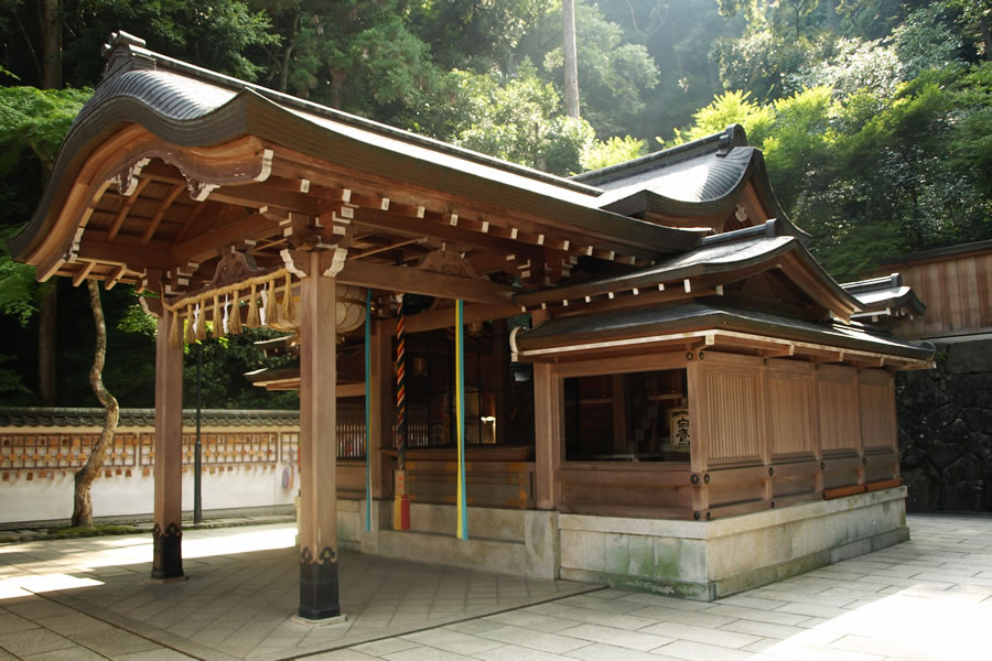 Gohô-dô (Hall to protect Buddhist teaching)