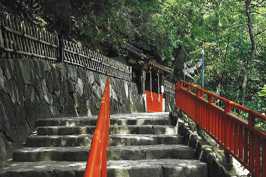 Takara-inari Shrine