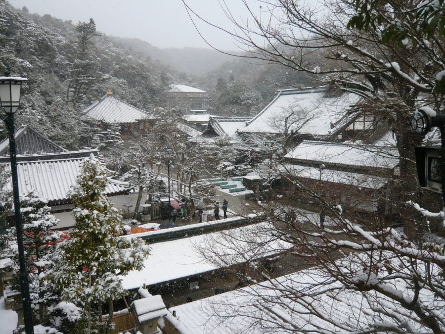 清荒神の雪景色