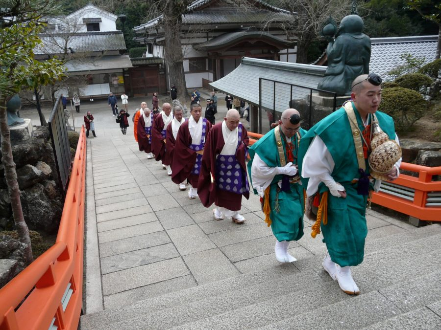 山伏と僧侶方の上堂