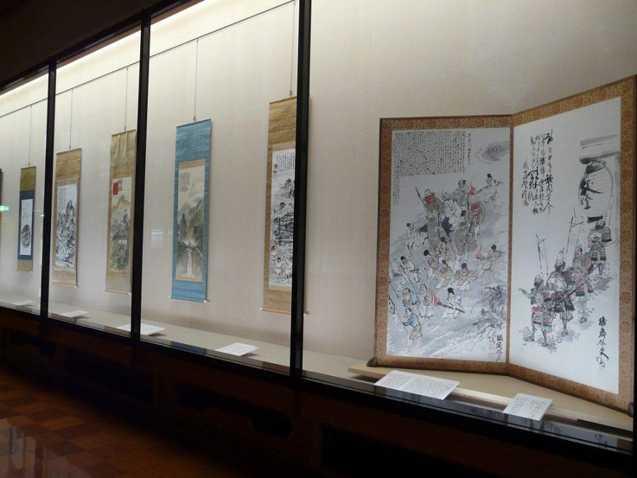 右:京都・滋賀の祭礼を描いた《四祭図》