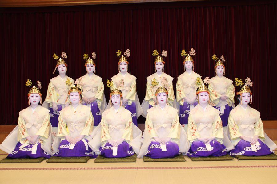 12名の喜代寿女